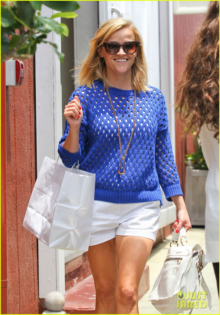 reese witherspoon brentwood country mart stop 022903411