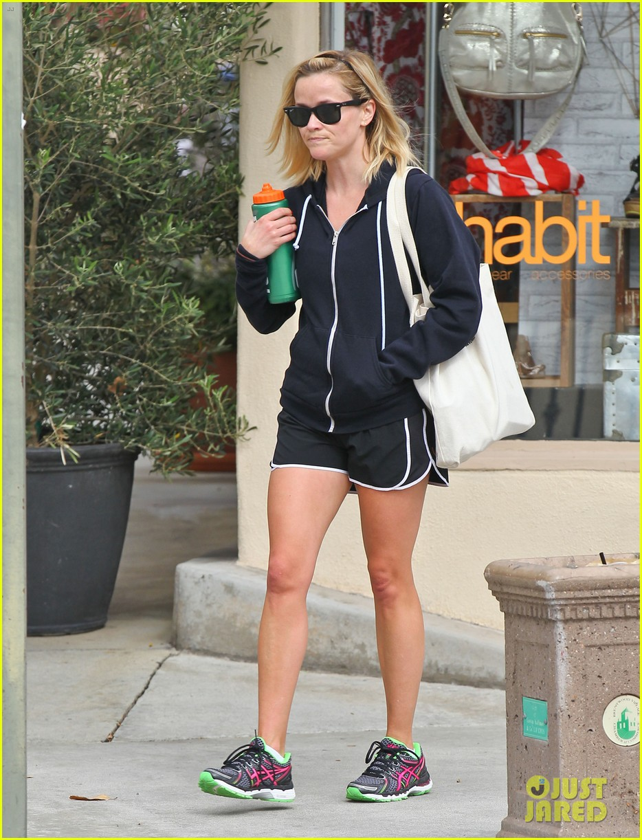 reese witherspoon brentwood country mart stop 102903419