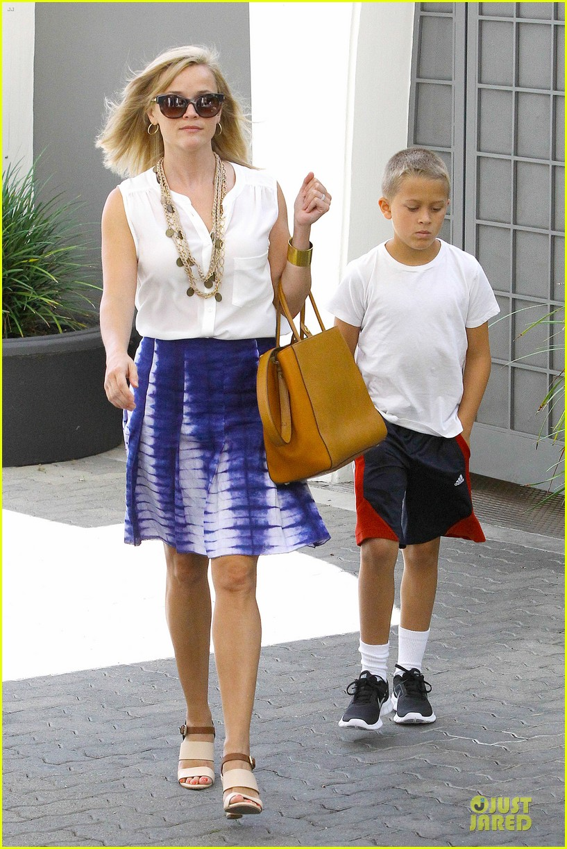 reese witherspoon excited to bring wild to big screen 012915373