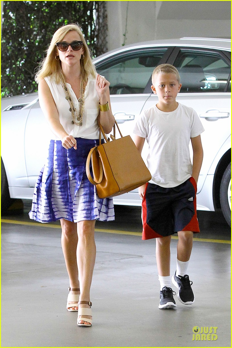 reese witherspoon excited to bring wild to big screen 042915376