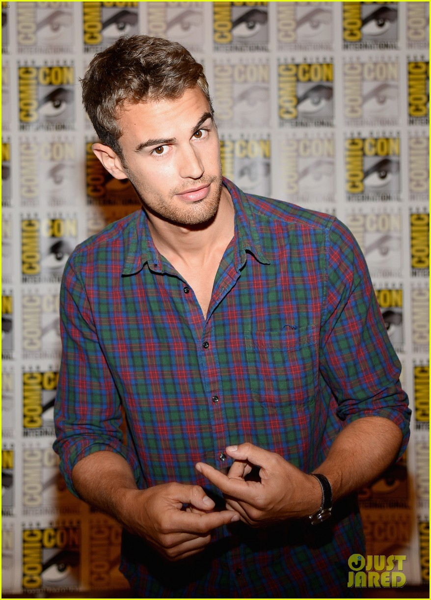 shailene woodley theo james divergent comic con panel 02