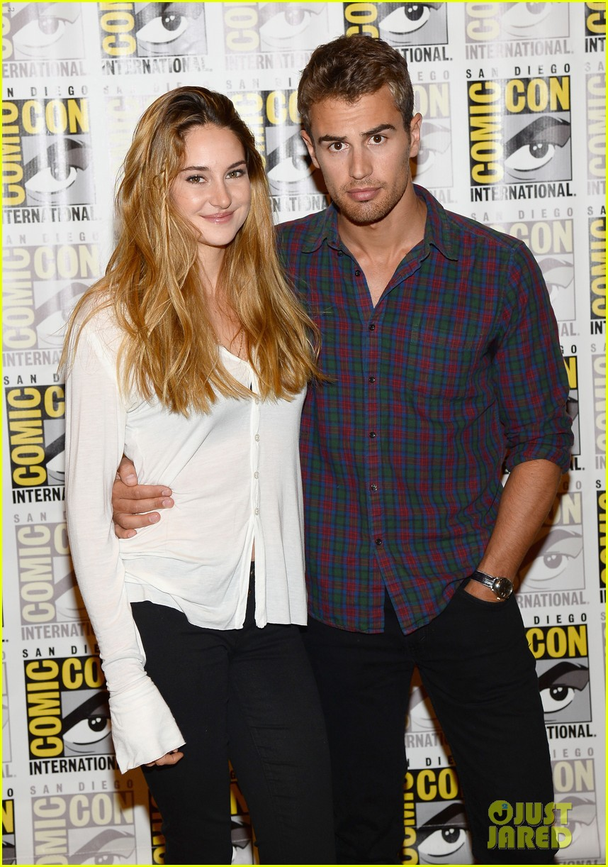 shailene woodley theo james divergent comic con panel 152911639