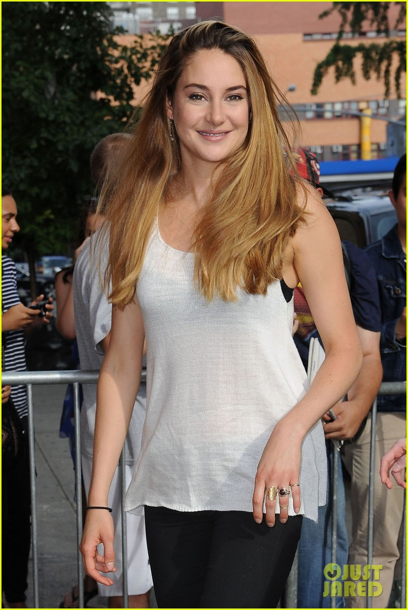 shailene woodley spectacular now promo in new york 132916137