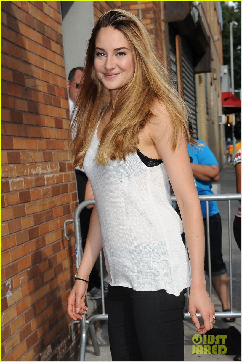 shailene woodley spectacular now promo in new york 15