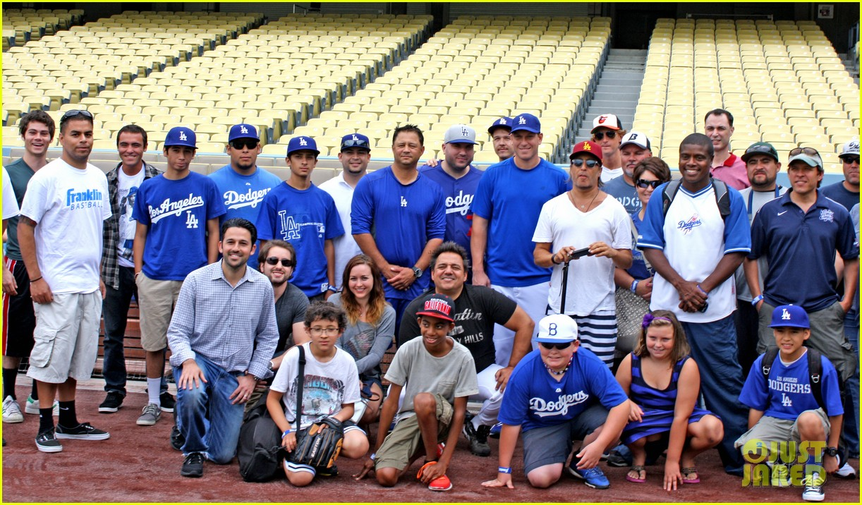 kevin zegers dylan obrien dodgers baseball clinic 052917660