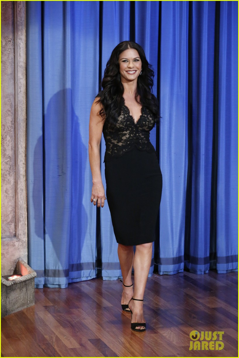 catherine zeta jones late night with jimmy fallon appearance 012911322