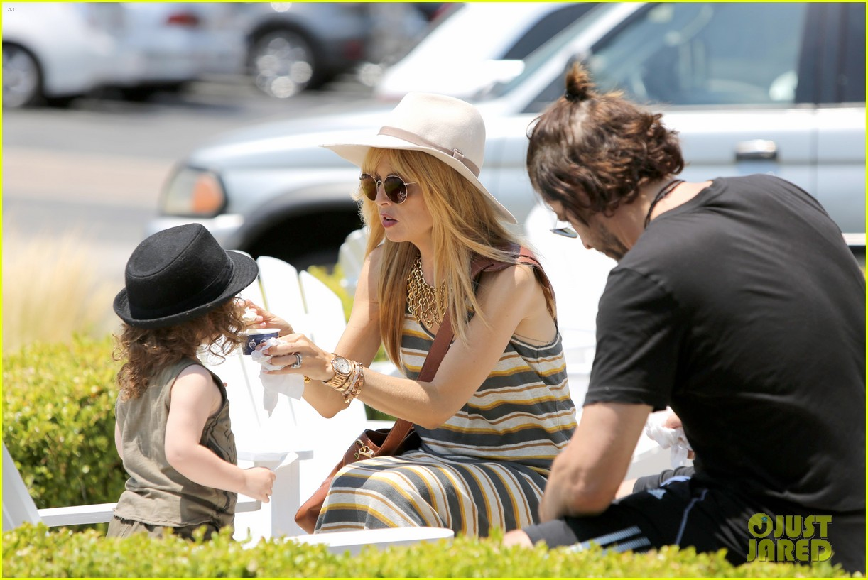 rachel zoe malibu weekend with the family 202905906