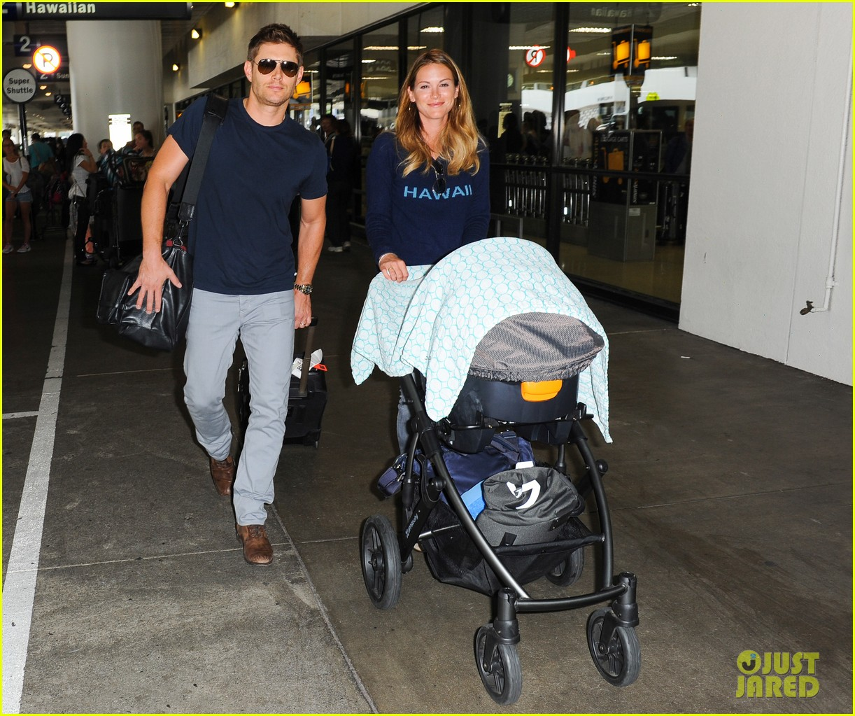 jensen ackles touches down at lax with danneel justice 052932242
