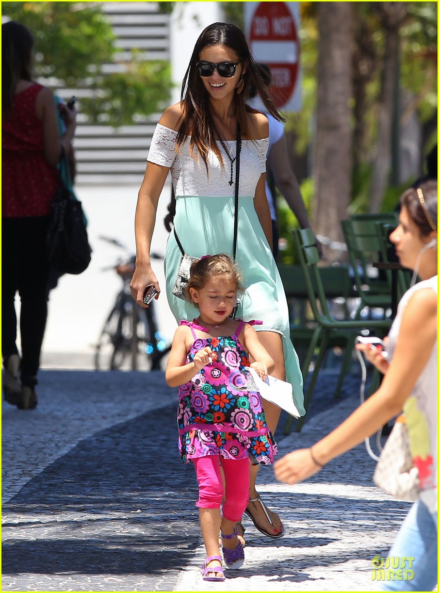 adriana lima family lunch with valentina sienna 032929624