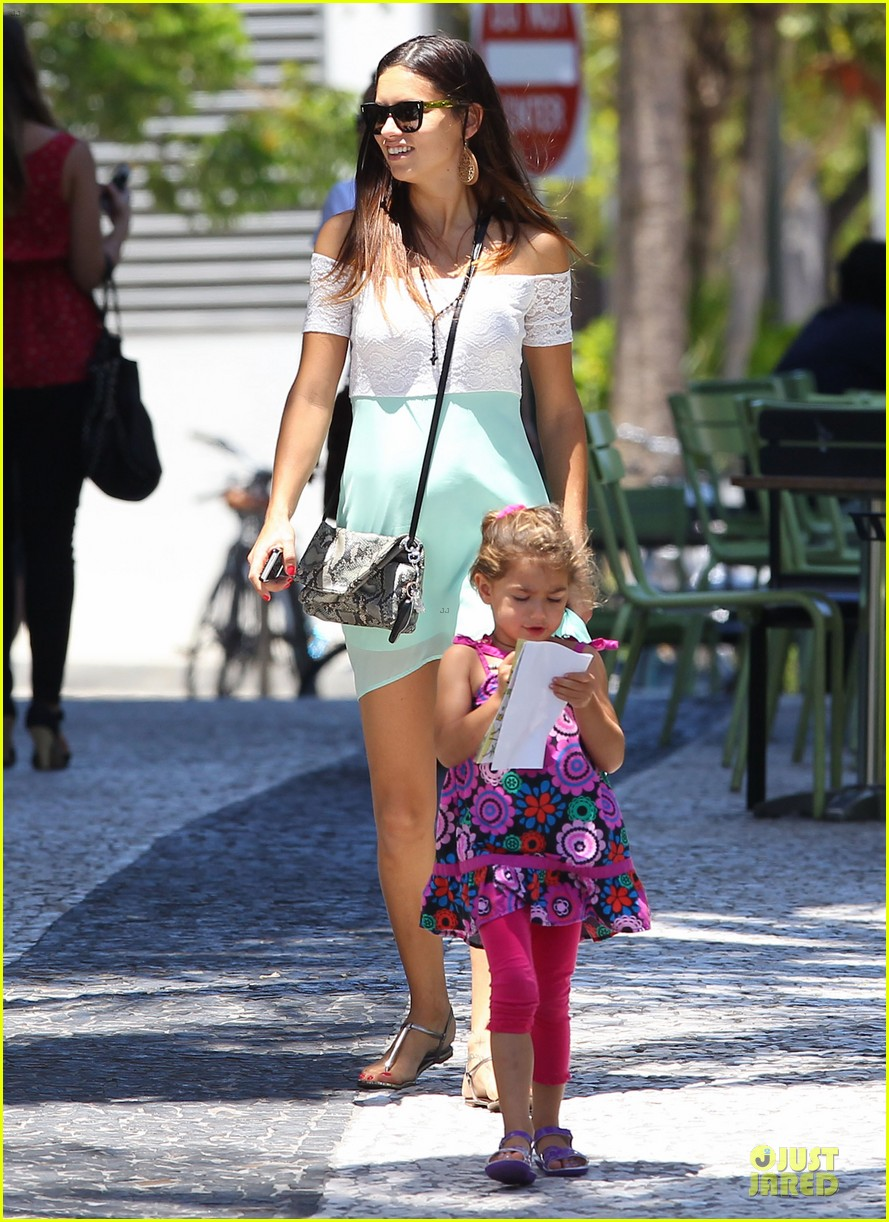 adriana lima family lunch with valentina sienna 08