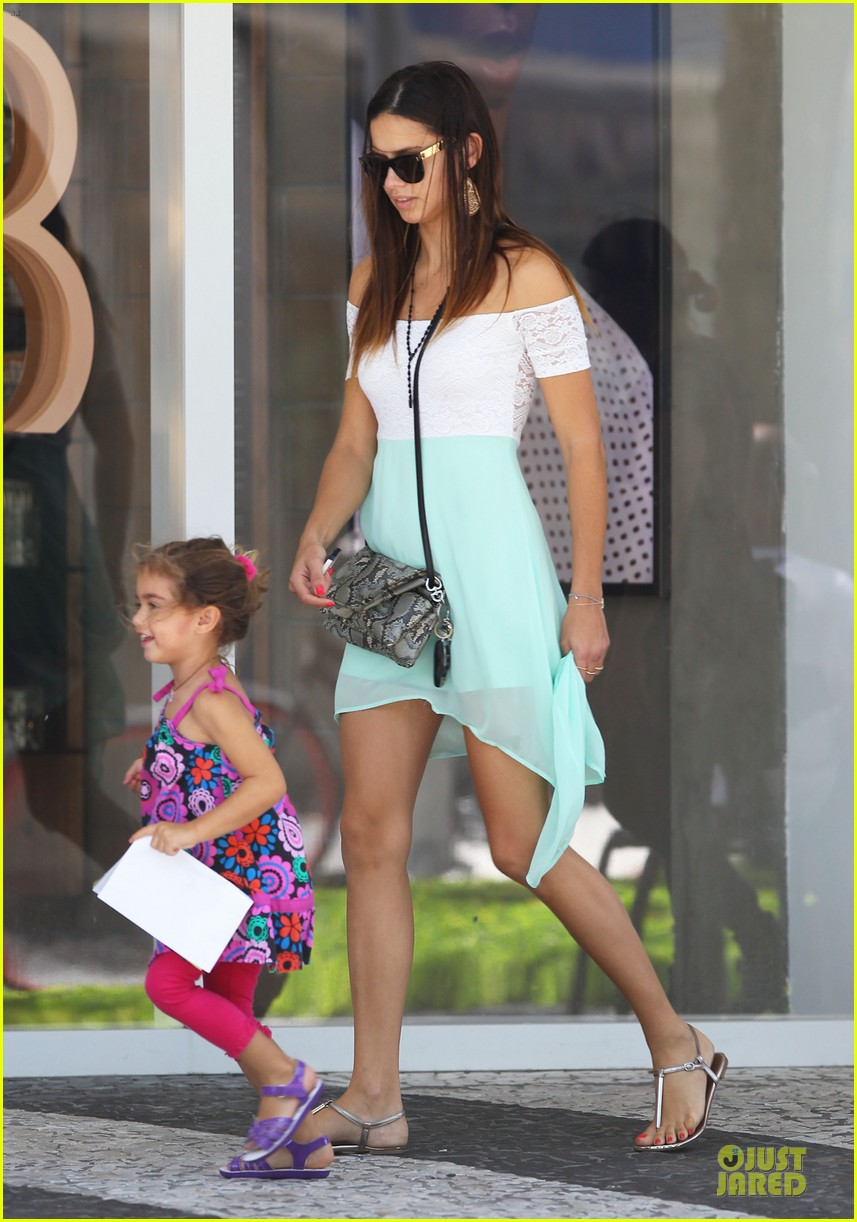 adriana lima family lunch with valentina sienna 182929639
