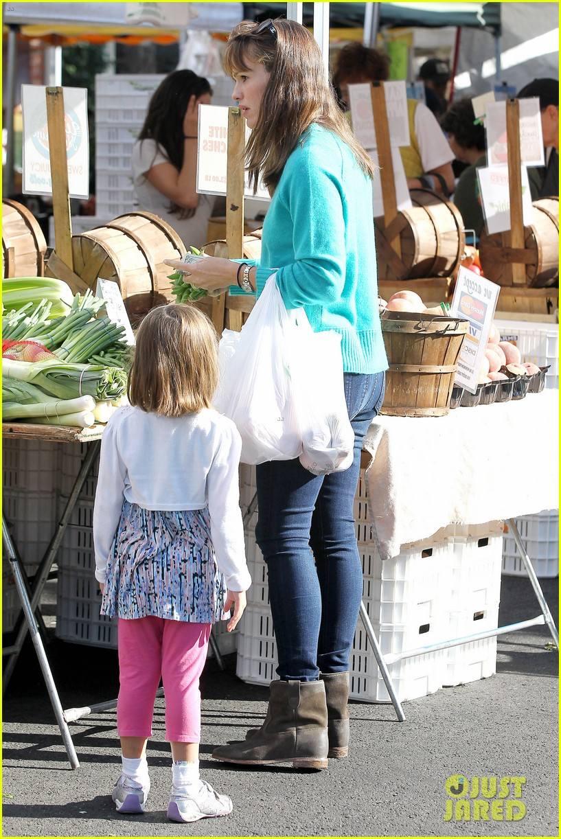 ben affleck spends day with family after batman casting news 012938192