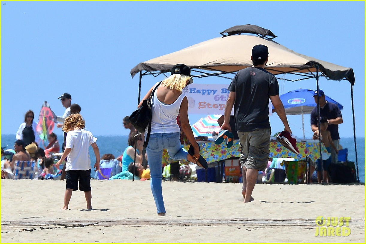 christina aguilera hits the beach with jordan bratman max 142928717