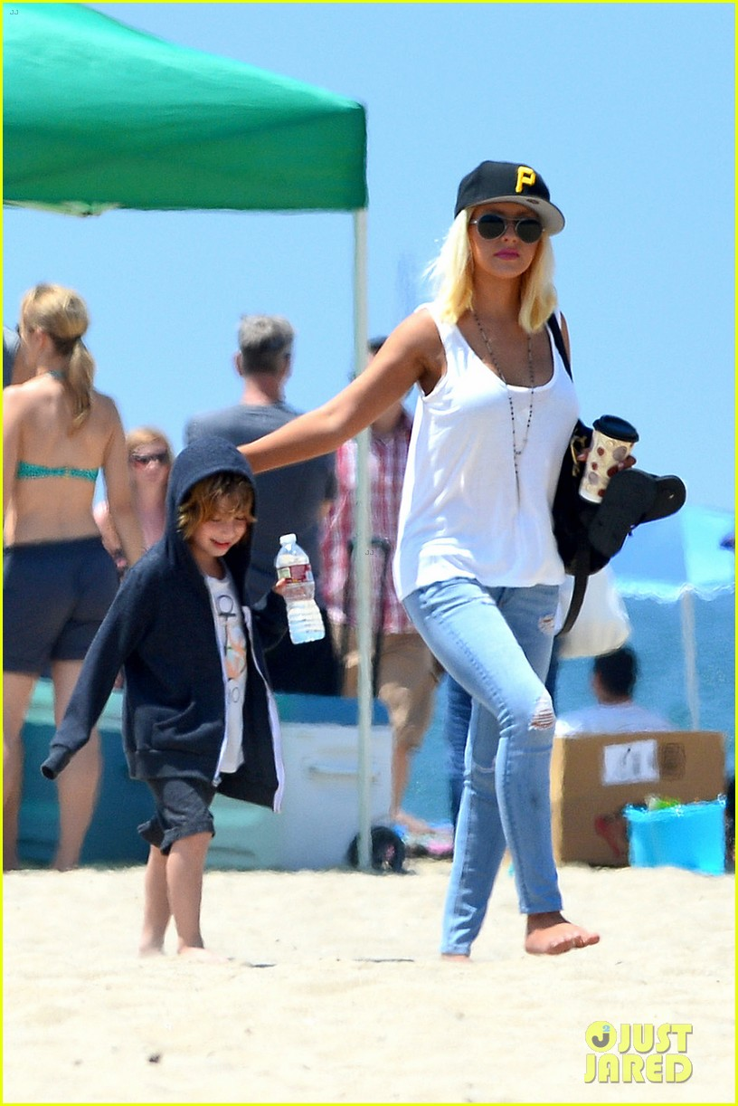 christina aguilera hits the beach with jordan bratman max 16