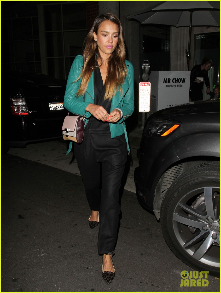 jessica alba cash warren back from the hamptons 052930030