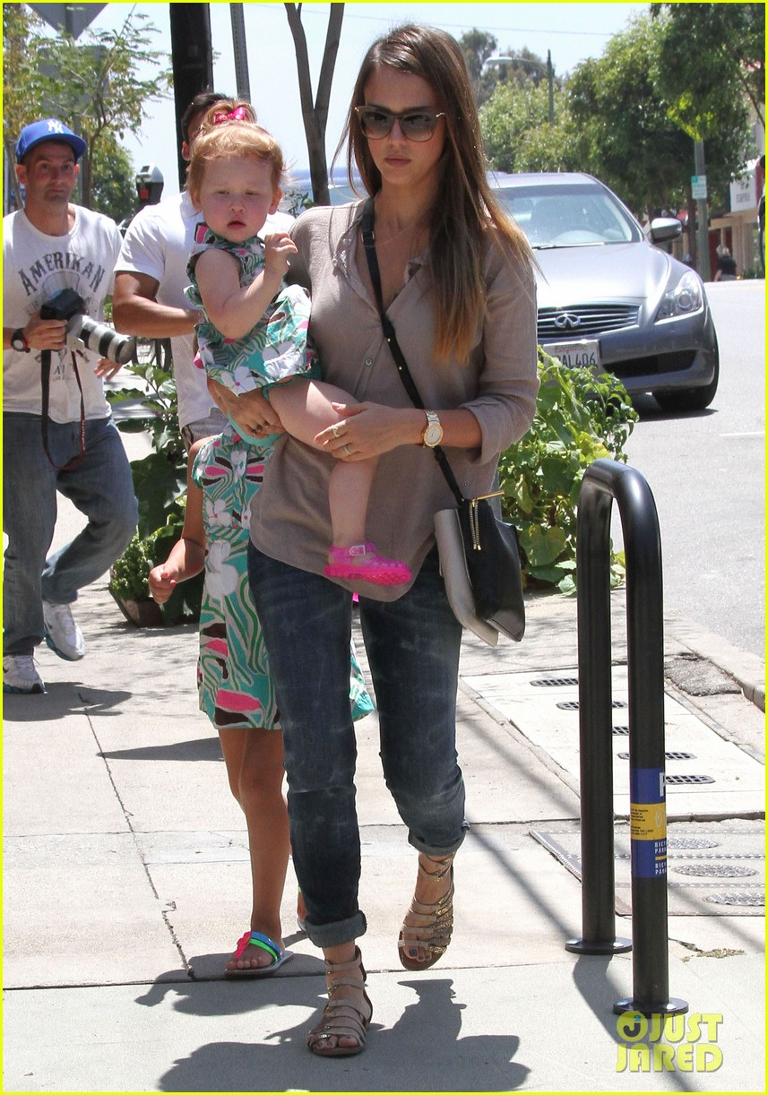 jessica alba honor haven wear matching outfits 012923169