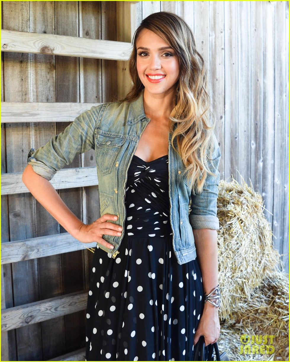 jessica alba ralph laurens day at the stables 022925363