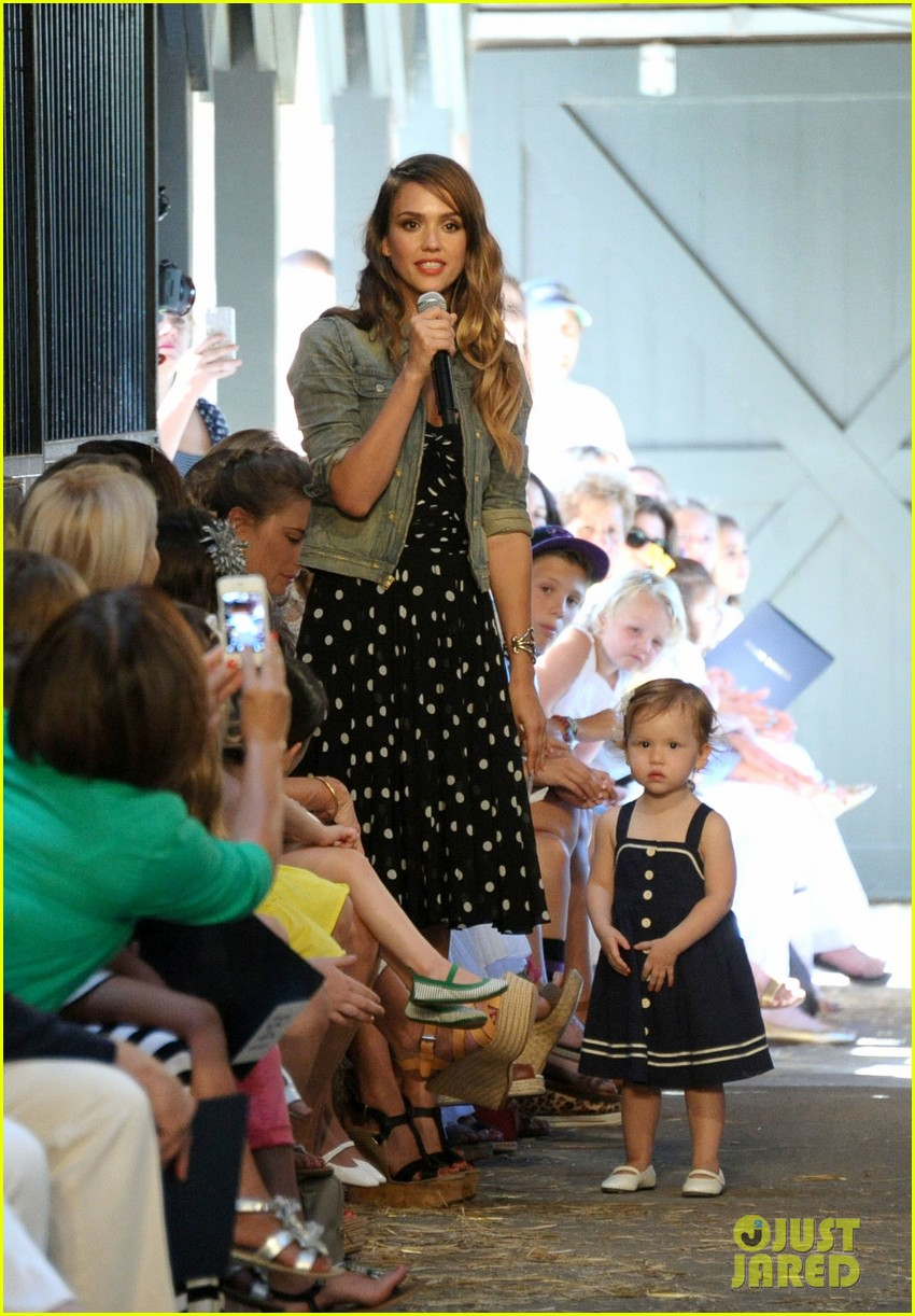 jessica alba ralph laurens day at the stables 052925366