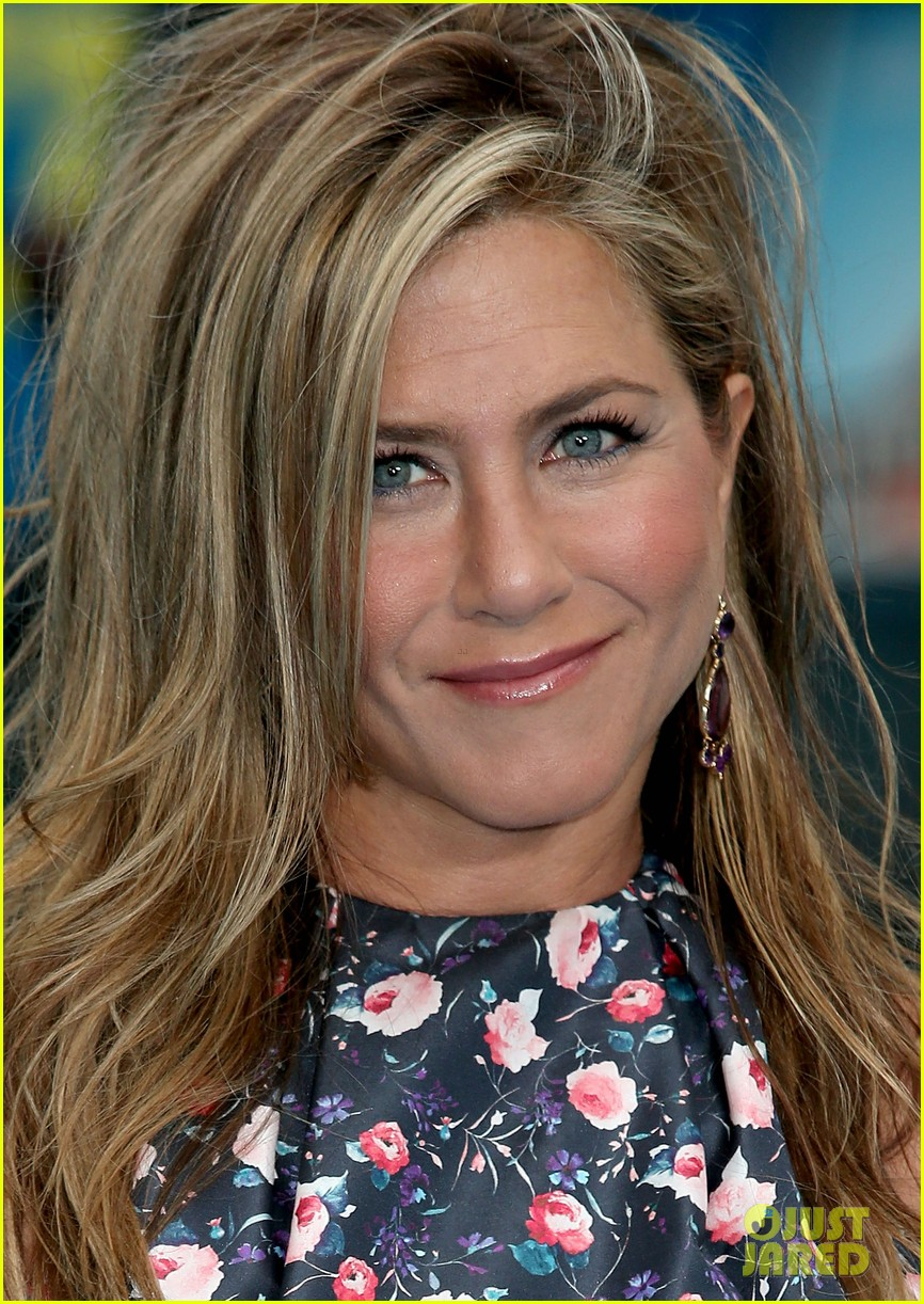 jennifer aniston were the millers european premiere with jason sudeikis 192930169