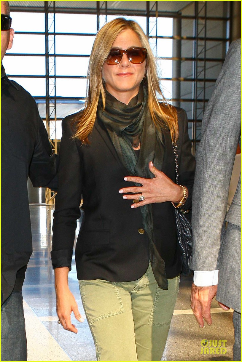 jennifer aniston addresses baby wedding rumors 042928861