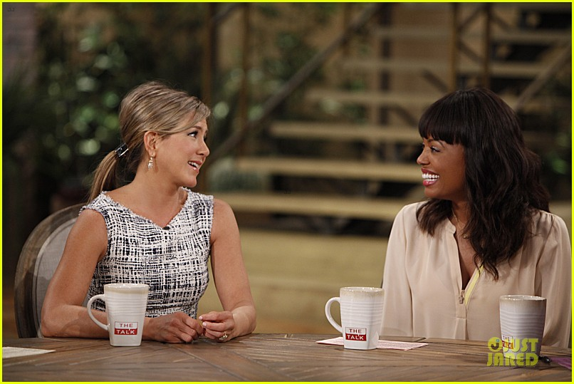 jennifer aniston talks stripper workout details on the talk 03