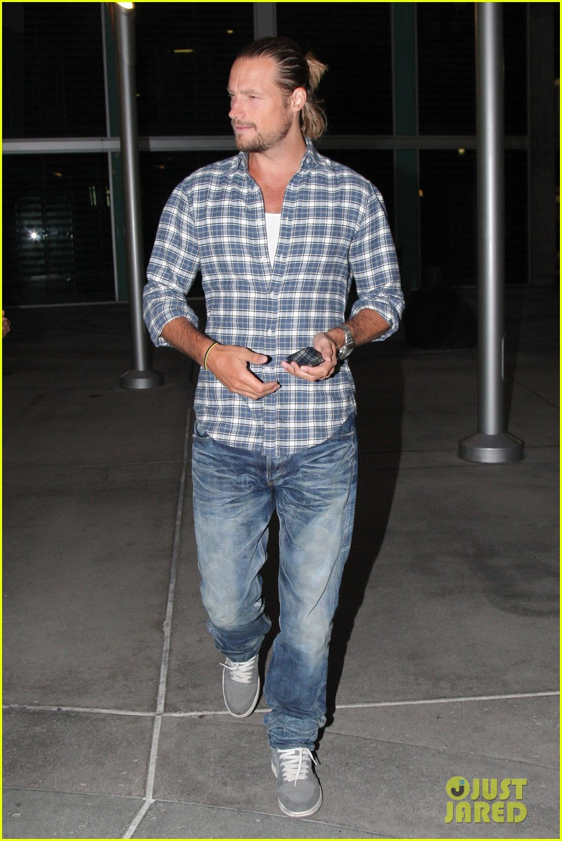 gabriel aubry catches evening movie at arclight 092922371