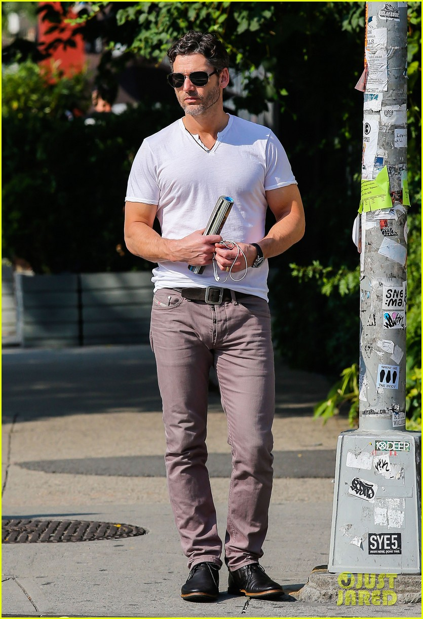 eric bana strolls the west village new closed circuit clip 012932364