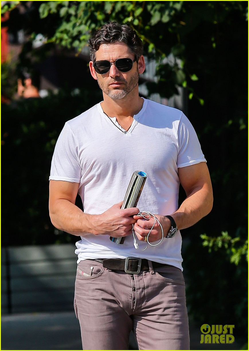 eric bana strolls the west village new closed circuit clip 042932367