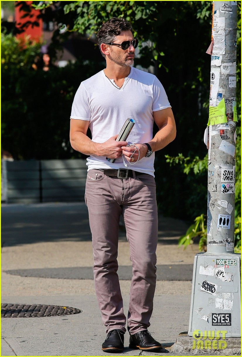 eric bana strolls the west village new closed circuit clip 052932368