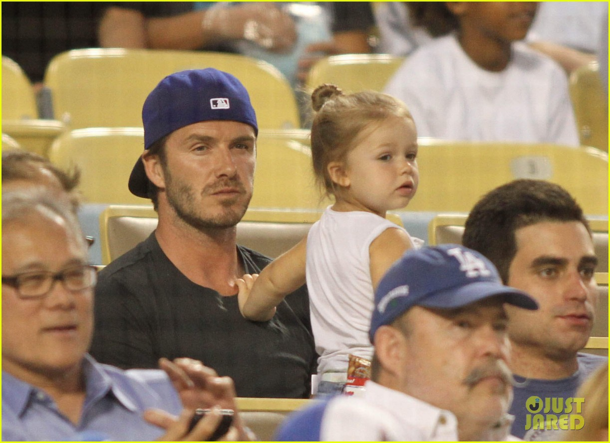 david beckham harper daddy daughter baseball game 012939629