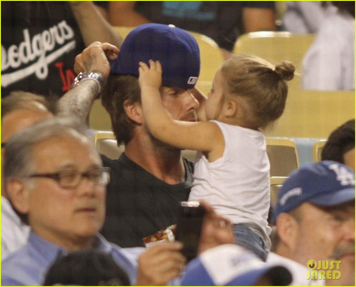 david beckham harper daddy daughter baseball game 072939635