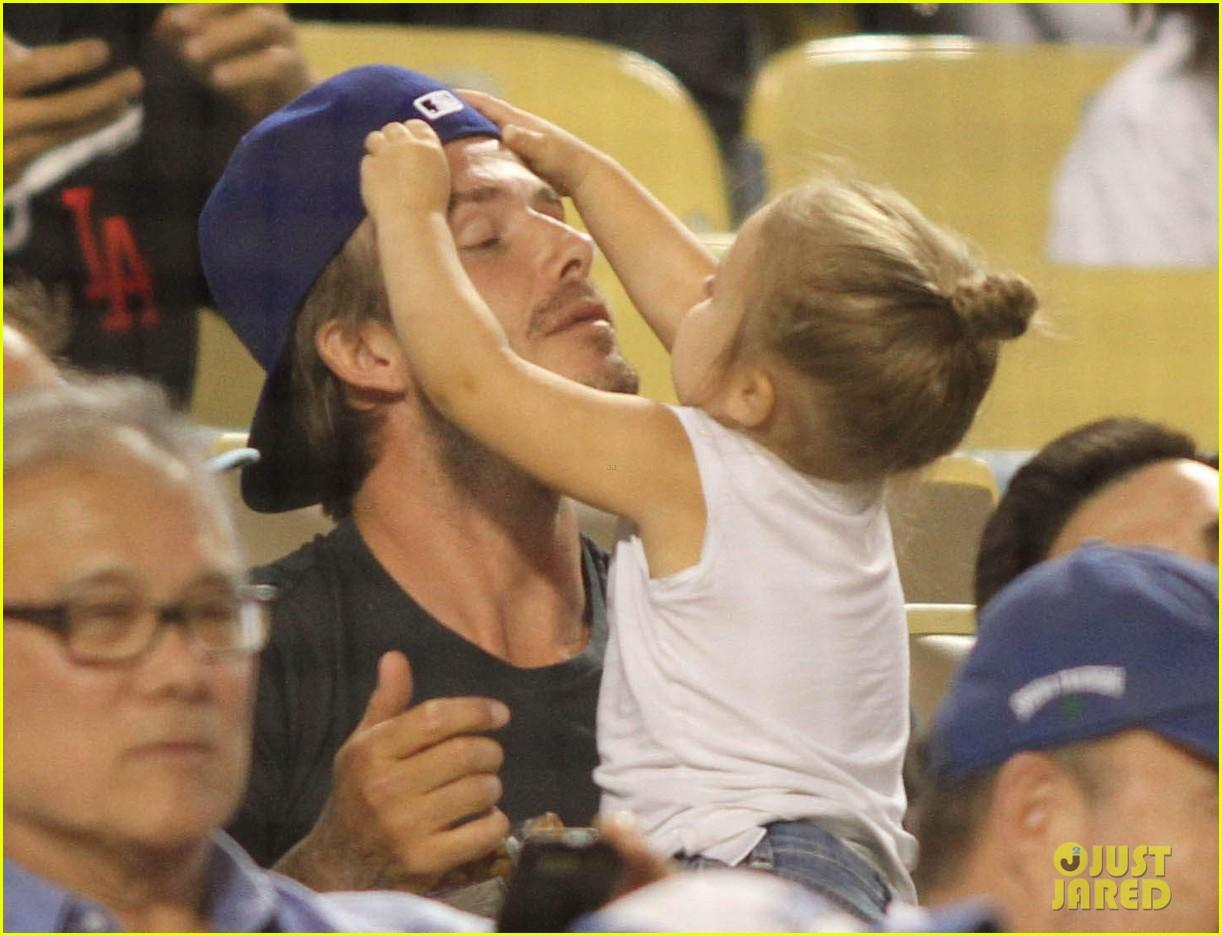 david beckham harper daddy daughter baseball game 082939636