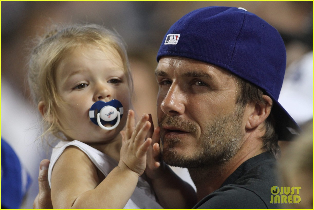 david beckham harper daddy daughter baseball game 13
