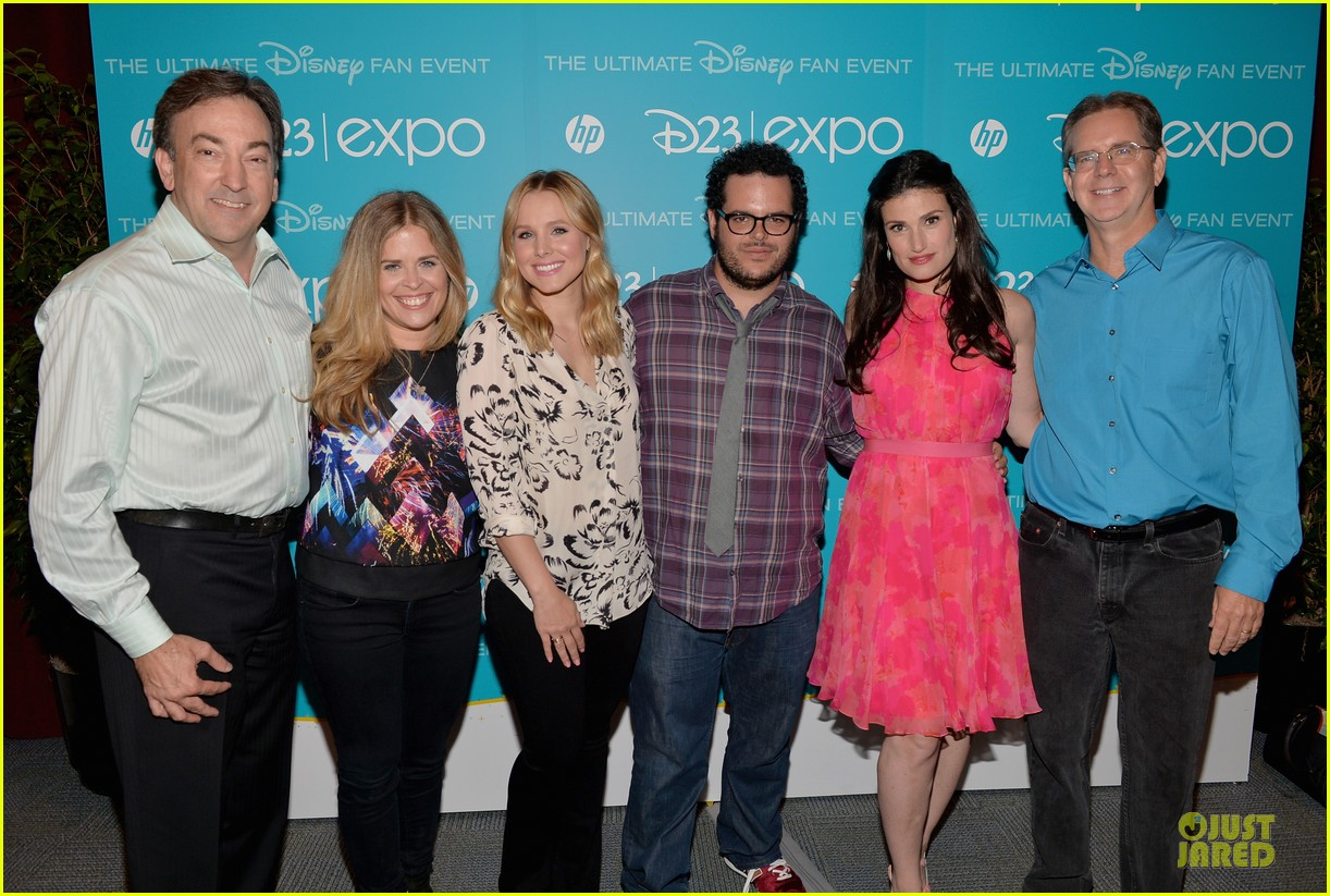 kristen bell idina menzel frozen at disney d23 expo 03