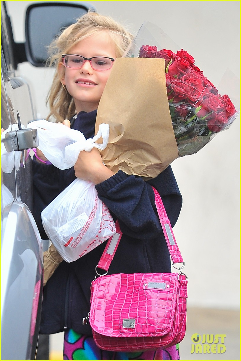 ben affleck jennifer garner farmers market morning with violet samuel 042923445