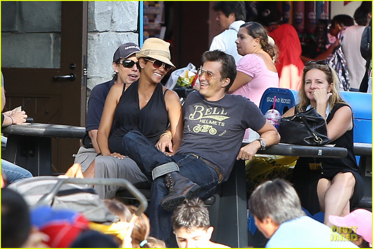 halle berry olivier martinez legoland with nahla 172934141