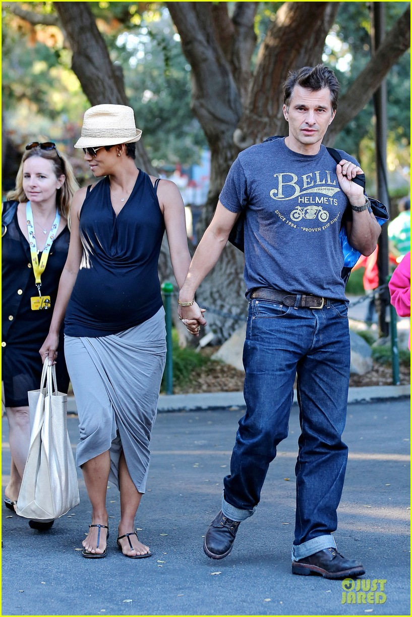 halle berry olivier martinez legoland with nahla 402934164