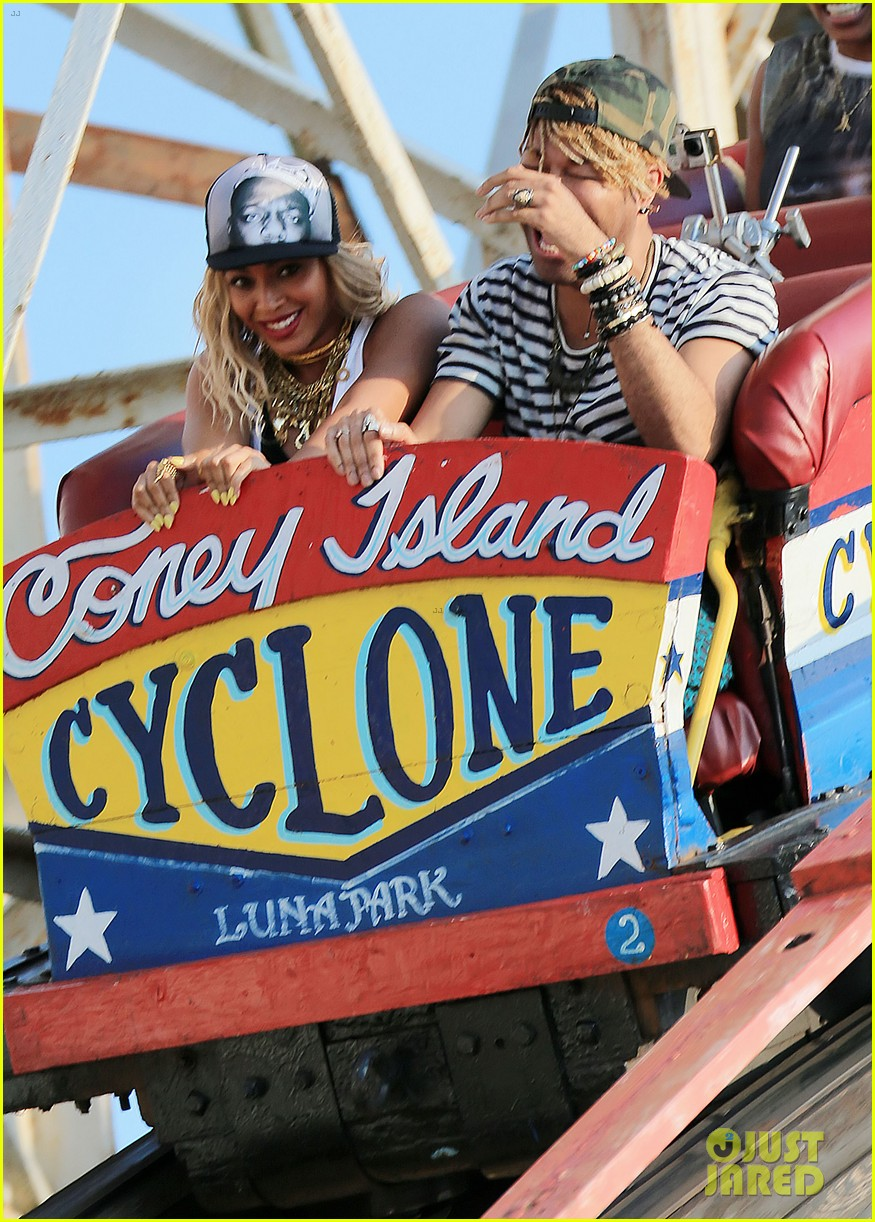 beyonce coney island cyclone rider for music video shoot 012940309