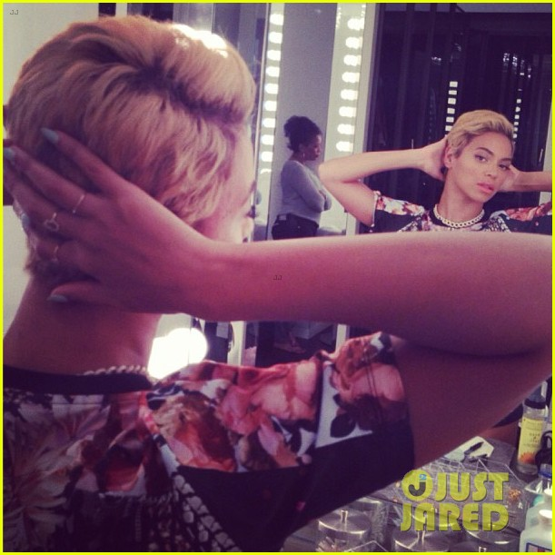 beyonce cuts hair debuts super short blonde look 032925778