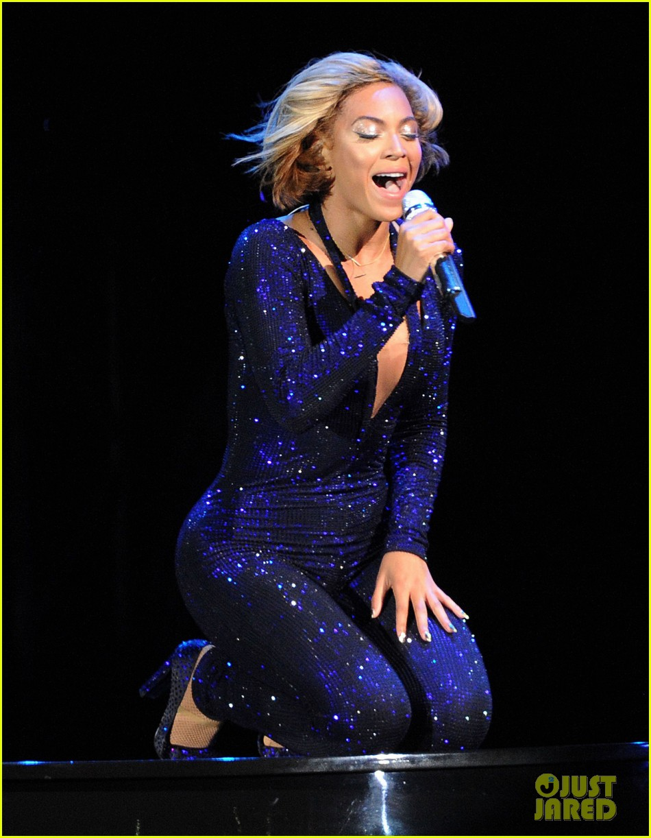 beyonce rocks short bob haircut at v festival 282932198