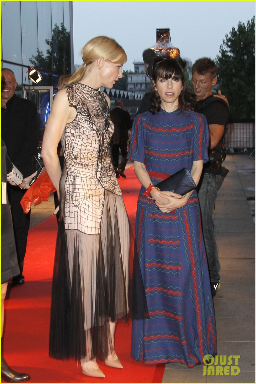 cate blanchett blue jasmine paris premiere with woody allen 052939285
