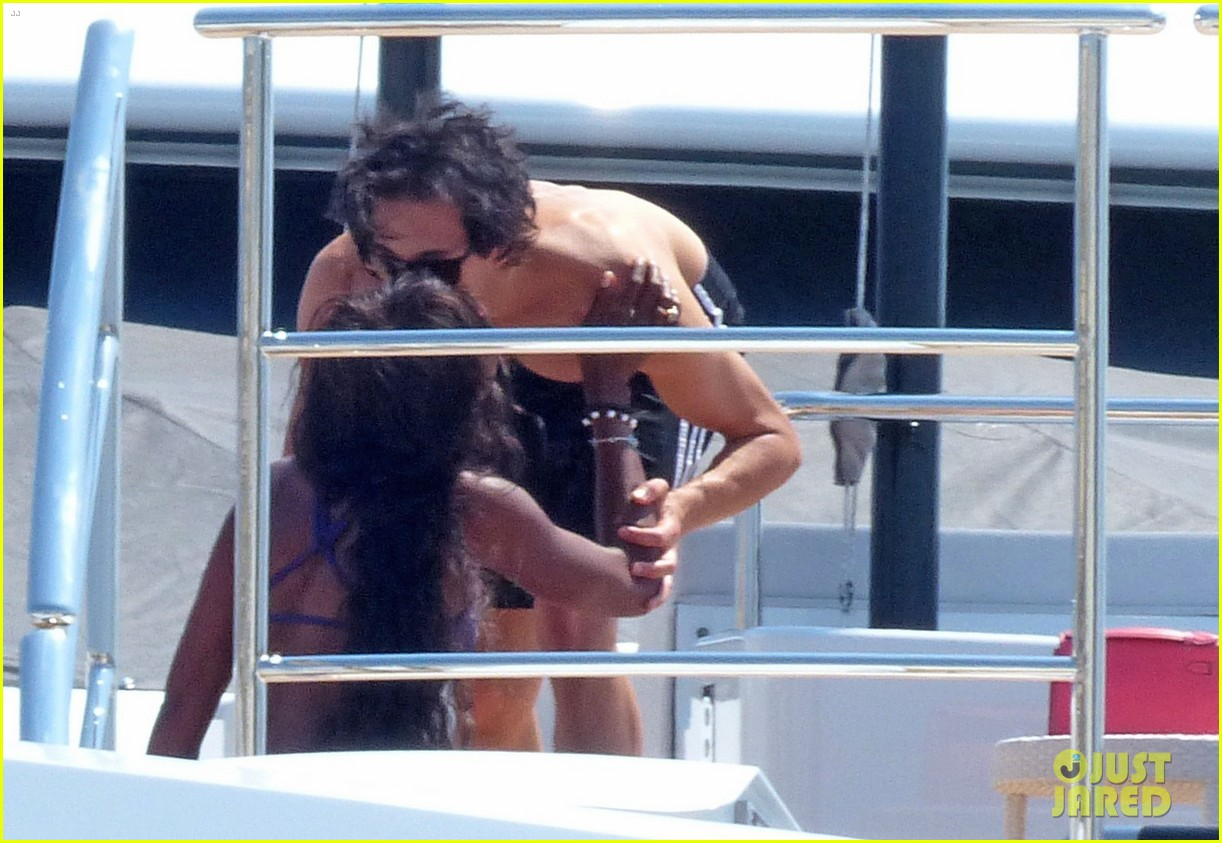 adrien brody shirtless yacht yoga with naomi campbell 032935699
