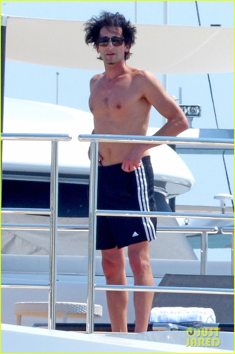 adrien brody shirtless yacht yoga with naomi campbell 052935701