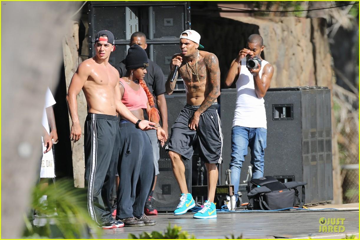 chris brown shirtless for hawaiian rehearsal 172936542