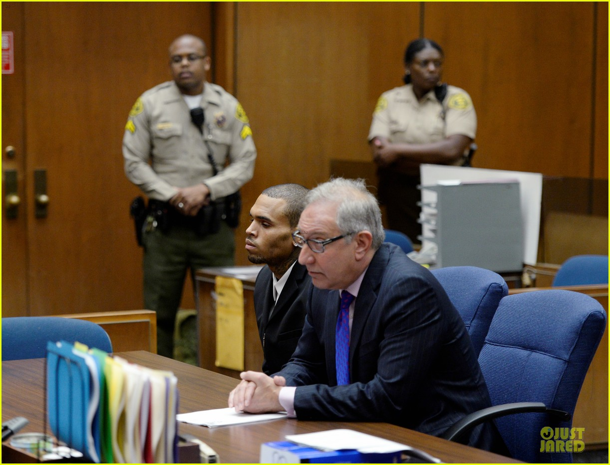 chris brown sentenced to 1000 hours of community labor 012931659