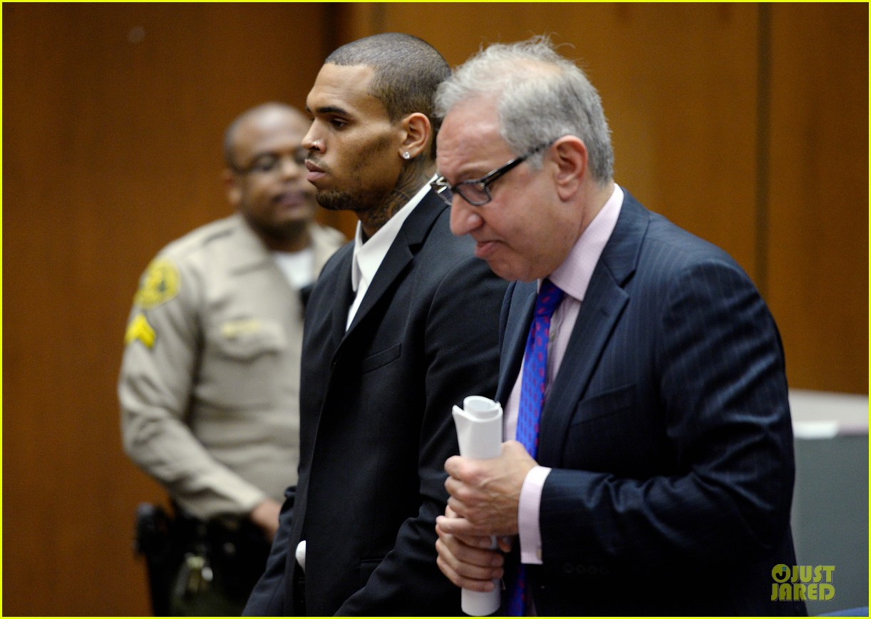 chris brown sentenced to 1000 hours of community labor 042931662