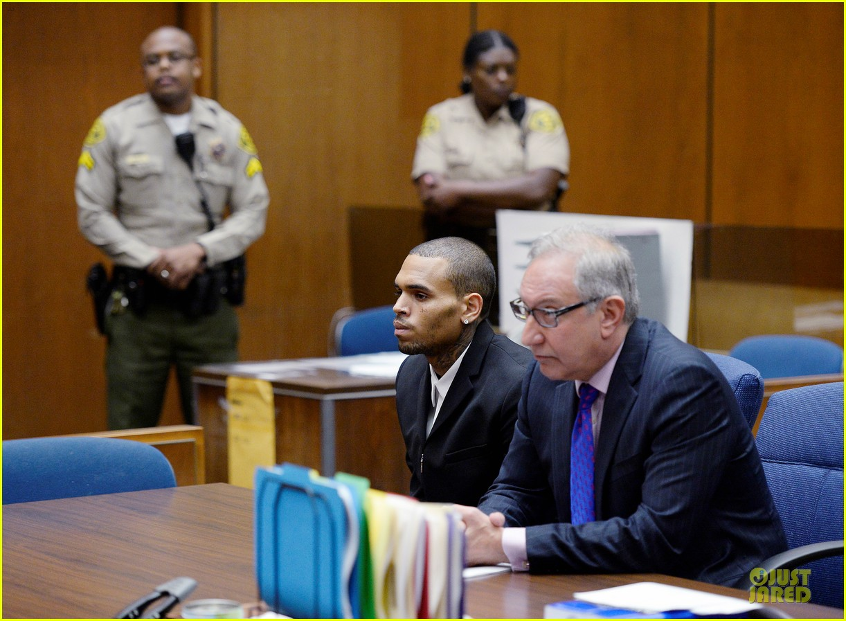 chris brown sentenced to 1000 hours of community labor 052931663
