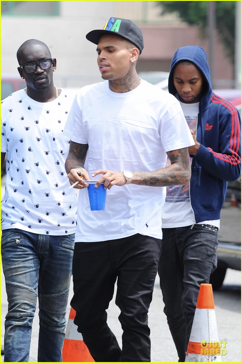chris brown shoots love more music video 042922569