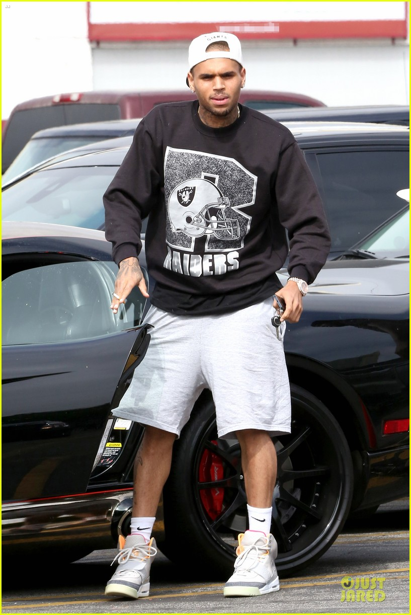 chris brown shoots love more music video 11