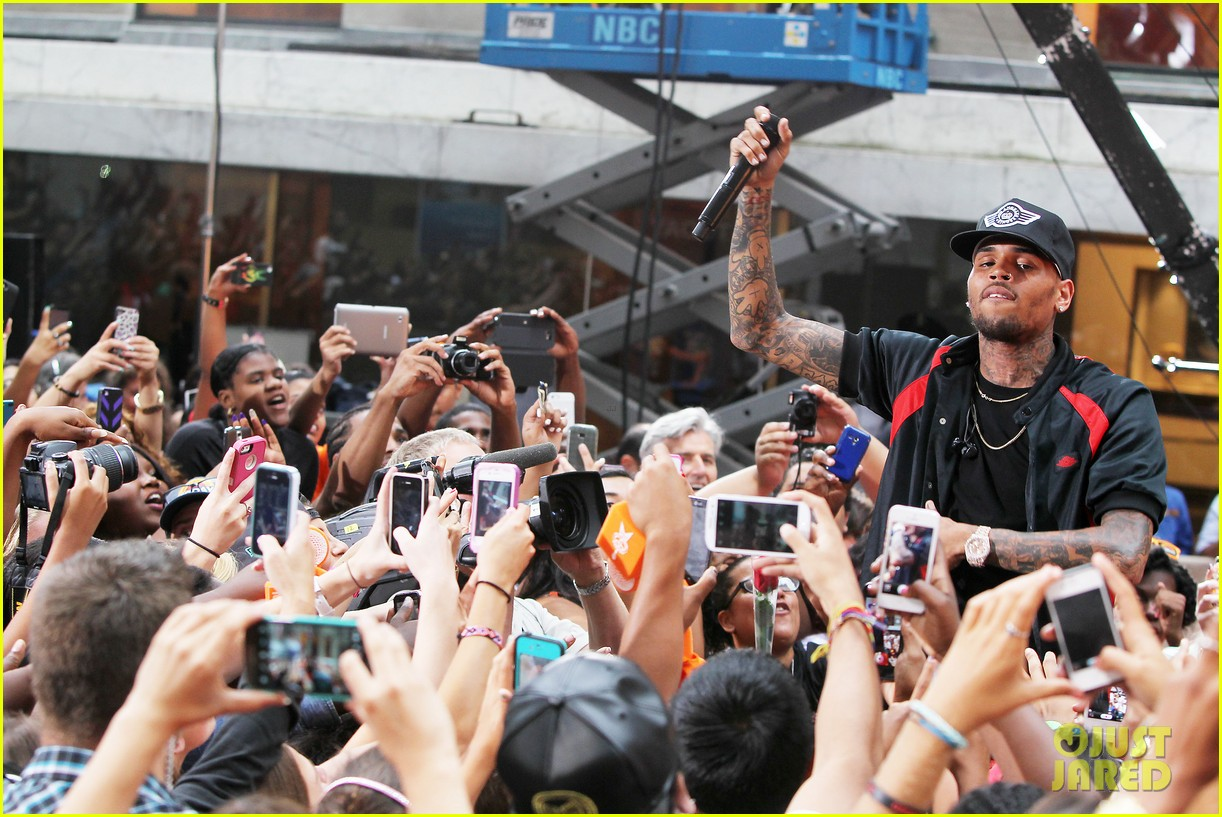 chris browns today show appearance ill keep working for my fans 072940631